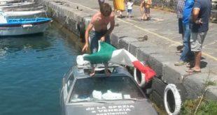 Maserati nel porto di Chiaiolella