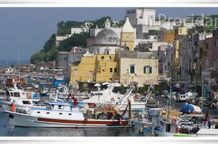 porto commerciale marina grande procida e1435557718888