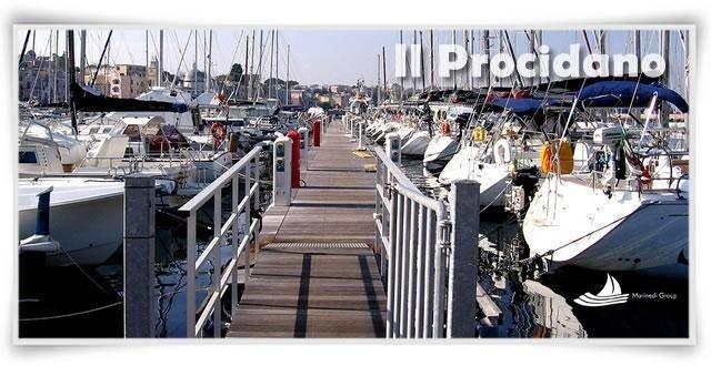 marina di procida e1460106310296